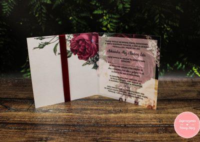 WZÓR K5 – Bordowe róże z kokardą