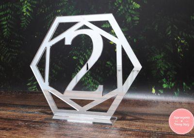 Numer stołu z lustra (4) Geometryczny