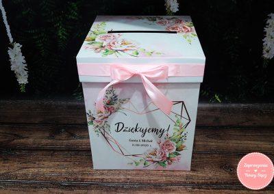 "Kartonowe pudełko na koperty ""Geometryczne serce"""
