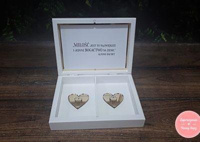 """Pudełko na obrączki """"Złote serce"""""""